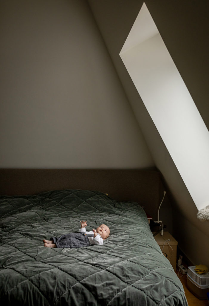 Baby & Familien Fotograf in Berlin Prenzlauer Berg, Babyfotografin Berlin, Babyfotograf, Baby Fotoshooting Indoor, Babyfotos