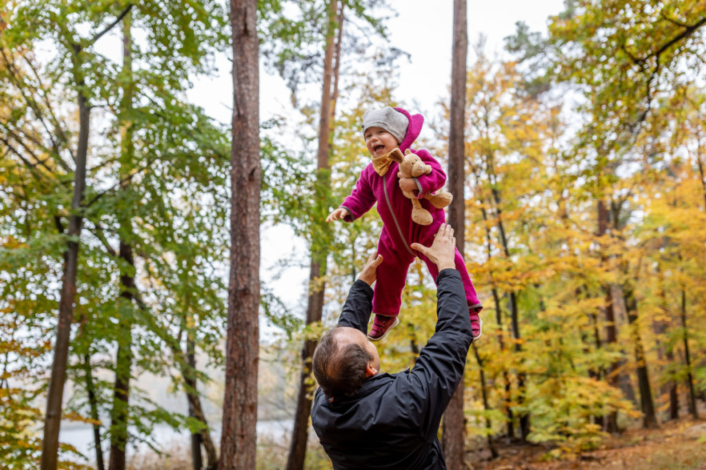 Outdoor Fotoshooting Berlin im Herbst mit der Familie